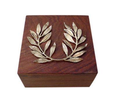 Στεφάνι Ελιάς, Χαλκός Επάργυρος πάνω σε ξύλινο κουτί.