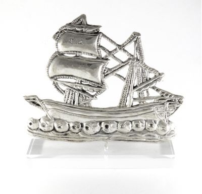 Two-masted Sponge Sailing Ship II, handmade copy in silver 999°, mounted on an acrylic base (plexiglass).