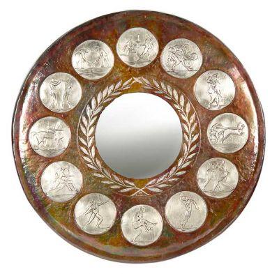 Ολυμπιακά Αθλήματα, Καθρέφτης σε σχήμα ασπίδας από χαλκό με φυσική οξείδωση και τοπικές επαργυρώσεις των αθλημάτων.