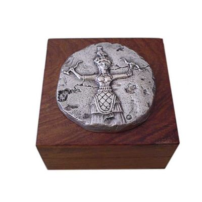 Goddess with Snakes, Wooden Box with copper relief plaque, plated in silver solution 999°, with the representation of the snake goddess.
