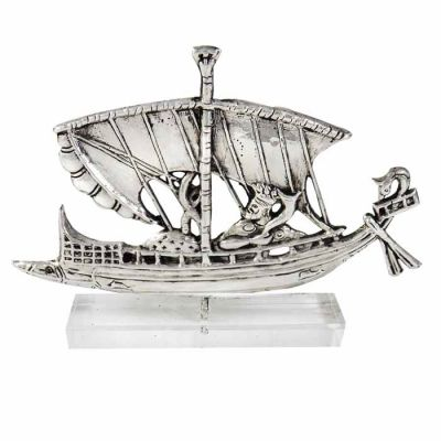 The Voyage of Dionysus, Ship with Dionysus in silver 999°, mounted on an acrylic base (plexiglass).
