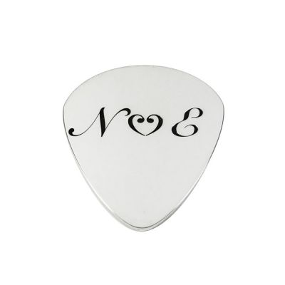 Silver guitar pick (plectrum) with your engraving by laser - snell fonts