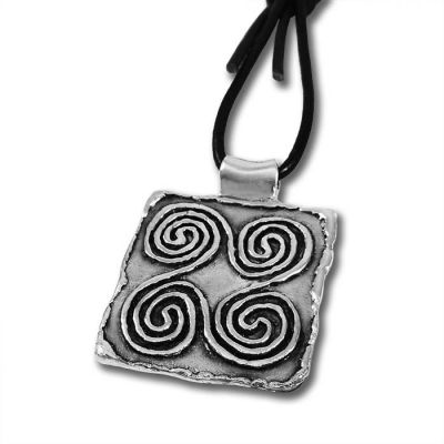 Spirals' silver-plated key-ring, design from an ancient jewel stamp